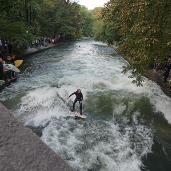 Artificial Surf Wave