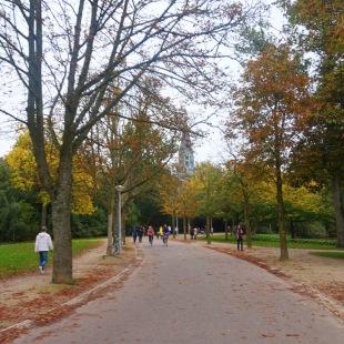 Strolling in Vondelpark enjoying the foliage