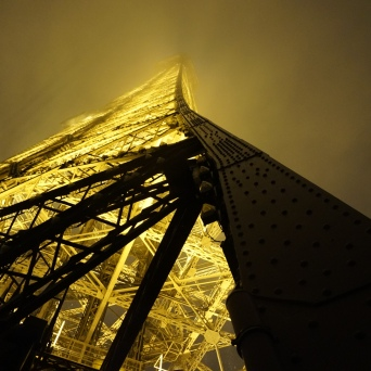 Eiffel Tower lighting up